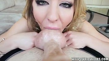 Sheena Shaw sucks balls