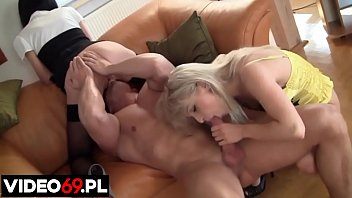 Polish porn - Two young girls fucked in front of camera on the casting