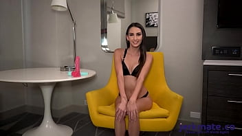 Natalia Nix Uses Sex Toys To Get An Orgasm During Live Show On Jerkmate TV