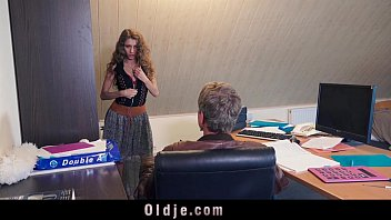 Sexy young secretary blackmails her old boss for dirty fuck facial