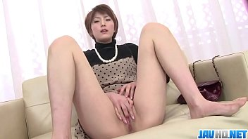 Saori Busy With Her Vibrator On Her MILF Pussy - More at javhd.net Vorschaubild