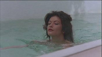 Catherine archer nude - Catherine zeta-jones - splitting heirs