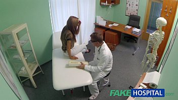 FakeHospital Spying on hot young babe having special treatment Vorschaubild