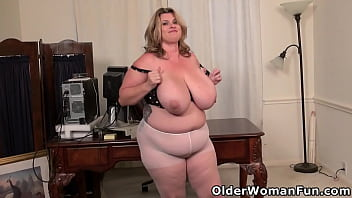 Imagine mounting the cutest of cute mature BBW Kimmie