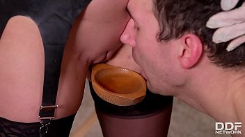 A Pinning Experience - Domina Yasmin Scott Urinates On Submissive Guy