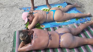 I'd flagged Pornostar Paty butt and Mirela Mansur on the beach and offered to pass Browning !!!