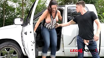 Alison Tyler & her hubby test fuck new mattress on the back of their truck GP699