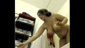 SEXY HIDDEN CAM--SHOWER