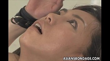 Asian babe bond and fuckd by a fucking machine