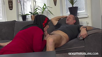 GEORGE UHL GETS PUSSY AS RENT PAYMENT 23分钟