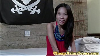 小さなおっぱい十代 Flat Chested Tiny Laya Cheating For Money - Cheapasianteens.com
