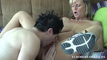 Mature woman love hard and young dick
