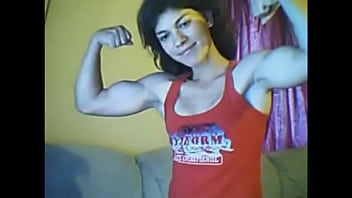 sexy girl biceps on cam