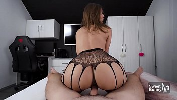 Streaming Video OMG!!! Tinder Date Cums Inside Me After I Squirt All Over His Bed - XLXX.video