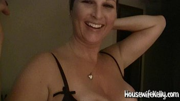 Housewife kelly sucks let's not