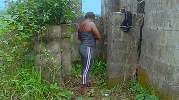 AFRICAN FUCK GIRL, VILLAGE BOYFRIEND ATTEMPTED TO FUCK HER INSIDE AN UNCOMPLETED BUILDING BEHIND THEIR COMPOUND BUT SHE PREFERRED A HOTEL RATHER. WATCH AND SEE WHAT HAPPENED TO HER IN THE HOTEL