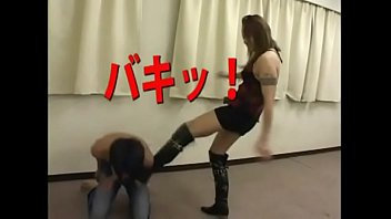 Pauly shore ass kicked - Japan brutal strong kicking