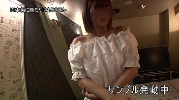 [Personal shooting] Chiaki (pseudonym) A secret girl desperately enduring a pant voice, a super beautiful BODY rebellious tsundere girl. While making her face bright red, Pakopako can't stop and she is in agony. [Amateur video] 3 min