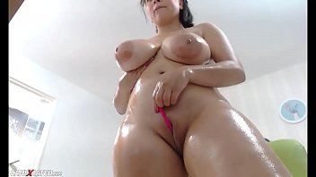 Awesome Wet Chubby Huge Boobs Squirting Camgirl