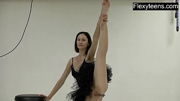 Litttle teen girls naked - Flexyteen markova