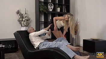 OLD4K. Excited blonde tempts old lover into spontaneous sex on daybed