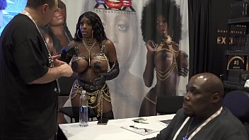 SUPER SEXY & STACKED MYSTIQUE GETS SHOWN SO MUCH LOVE AVN 2020! A TRUE LEGEND IN THE MAKING!