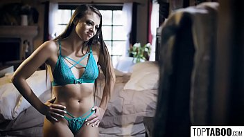 18Yo Hottie Meets Online Crush For First Time - Gia Derza