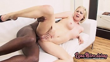 White blondie fucked by big black dude! ▬ Get yourself a fuck date on lenanitro.dating! ►►►