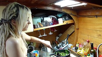 Streaming Video BoatBabesXXX – Cooking Classes With Sexy Lexi – Naked Chef Teaches You A Lesson - XLXX.video