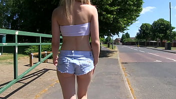 Sexy very slut pissing in her underwear while touring the cityslut