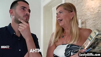 Flirty mature real state broker Samantha finally meet her hot young client John Price and started an awesome sex with him.