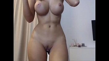 bigtits babe with shaved wet pussy