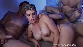 MARISKAX Sexy Valentina Babe gangbanged in a hot tub