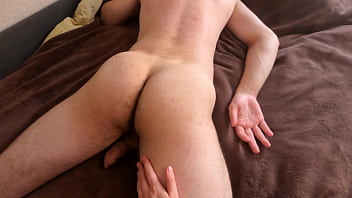 jerk off to a friend during a massage, all filled with sperm, real homemade