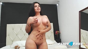 Beautiful Sarah Harper Reveals Her Big Tits and Ass with Striptease
