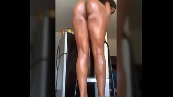 Jerk off to the beat with Lisaedithmarie sexy ass