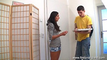 Firstanalquest.com - FUCKED IN ASS PIZZA GIRL LIKES HIS BIG DICK INSIDE HER