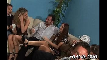 Blowjobs drive men crazy Men and girls on sex party