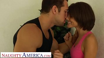 Naughty America Jenni Lee Brings Home Stranger To Fuck After Morning Run