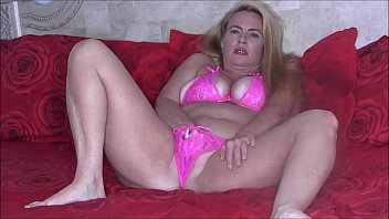 Streaming Video Sexy Blonde MILF Nikki Strappy Pink Lingerie Fingering Her Pussy and Rubbing Her Clit - XLXX.video