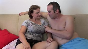 GF GETS FUCKED BY 2 BFS !!
