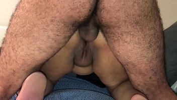 INDIAN DESI AUNTY SUCKING AND FUCKING ANAL WITH HER HUSBAND'S FRIEND ! صورة