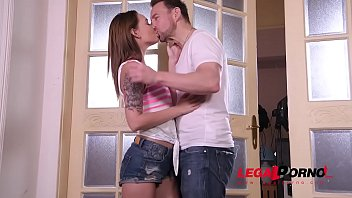 Fuck date with teen stunner Shelley Bliss makes him blow cum into her mouth GP332