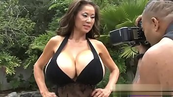 Minka- Photoshoot for the &quot_Freaks of Boobs&quot_ scene (with OG Mudbone)