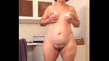 Streaming Video PUTTING THE PANTIES  OFF - XLXX.video