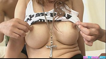 Japanese chick Moe get her hole double penetrated