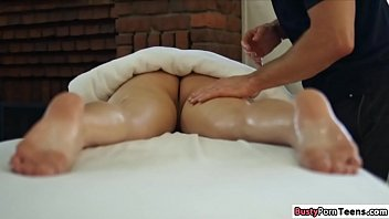 Sexy Babe Rammed By Her Hunk Masseur