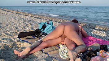 Hottest amateur girlfriend getting real fuck on the beach
