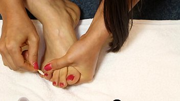 Bare Foot Asian Samantha Loves To Paint Her Toenails