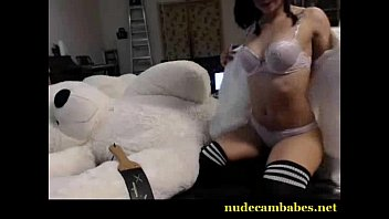 cute nekolukka flashing ass on live webcam